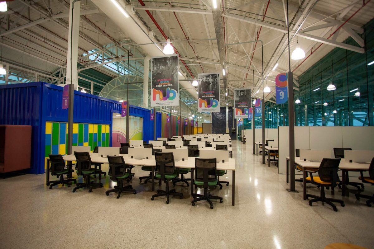 Hub em Salvador - coworking com a cadeira Time da Sittz