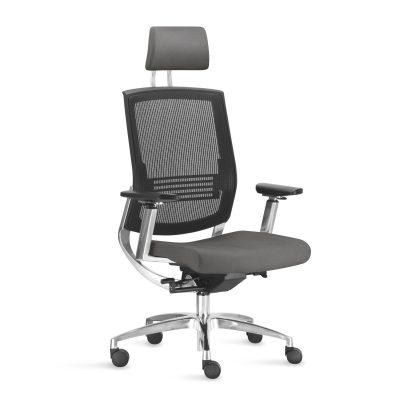 Além de ser altamente ergonômica e confortável, o design da Fit sugere prestígio e destaque. Perfeita para ambientes que exigem grande concentração e longas jornadas de trabalho.