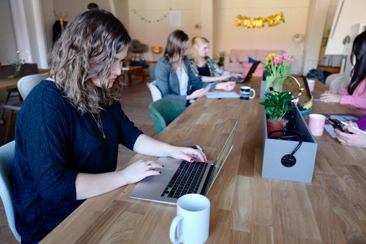 Para desenvolver ambientes de coworking onde as pessoas queiram estar, é importante oferecer uma variedade de espaços.